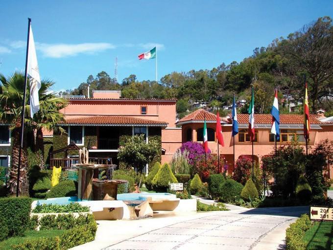 Hotel Arrecife de Coral cuatro estrellas; sinónimo de colorido, belleza, hospitalidad y armonía