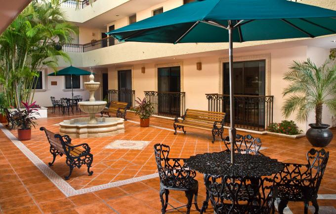 Atrio Hotel El Gobernador