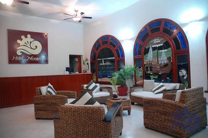 Visita la Cafetería El Mirador y Restaurante La Fragata,