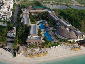 The Reef Coco Beach Resort & SPA