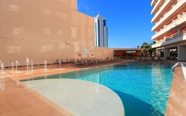 Amarea Hotel Acapulco, disfruta de su alberca al aire libre