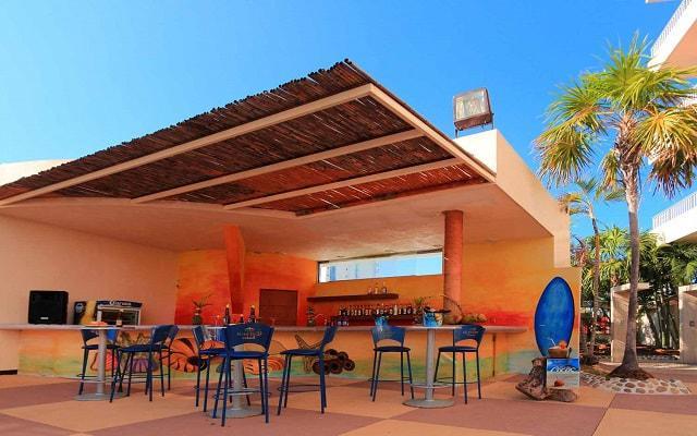 Amarea Hotel Acapulco, prueba una rica bebida en el snack bar