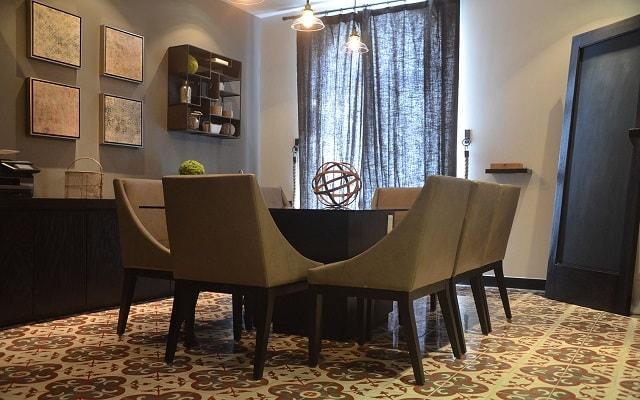 AR 218 Hotel, sala de juntas