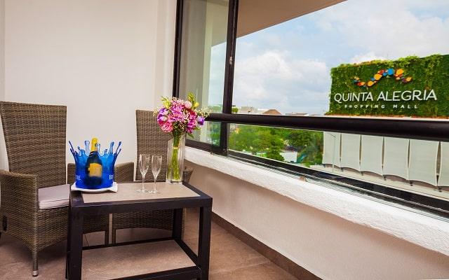 Aspira Hotel & Beach Club, relájate en el balcón