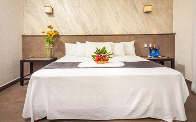 Aspira Hotel & Beach Club, ofrece habitaciones con estilo contemporáneo y balcón