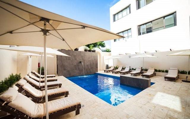Aspira Hotel & Beach Club, disfruta de su alberca