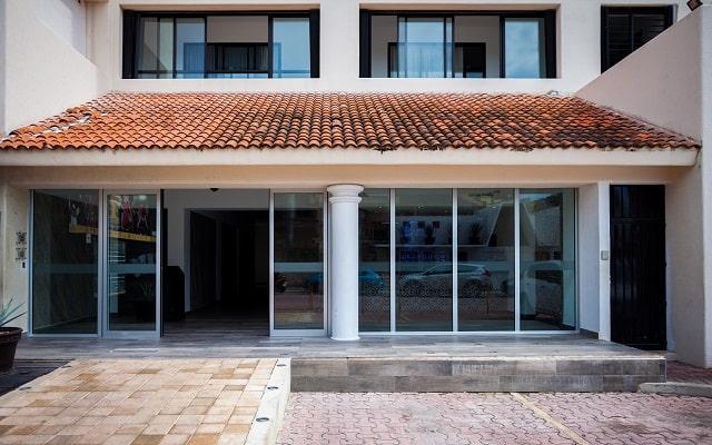 Aspira Hotel & Beach Club, buena ubicación