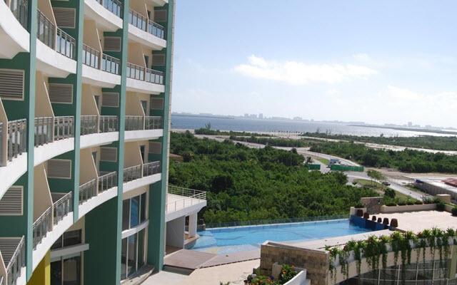 Excelentes vistas a la laguna de Cancún desde tu habitación.
