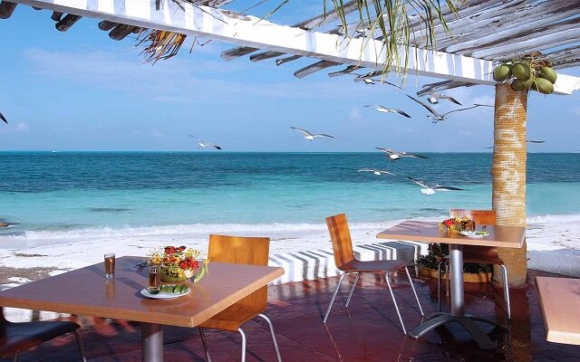 Beach House Maya Caribe by Faranda Hotels, restaurante con vista al mar