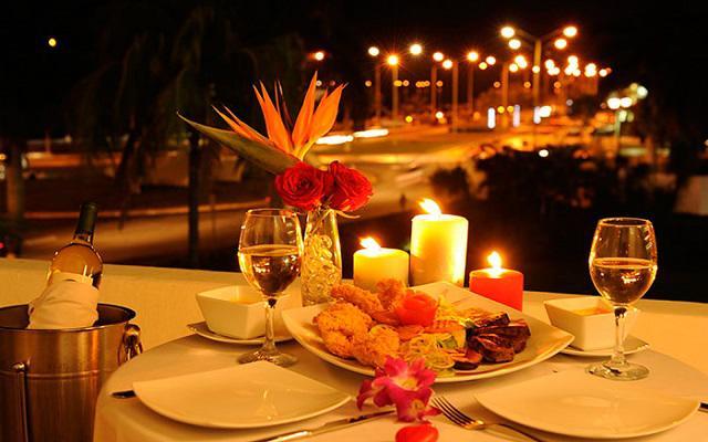 Disfruta de una cena con vista a la ciudad colonial de Campeche