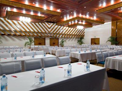 Salón de eventos del hotel Bluebay Los Ángeles Locos