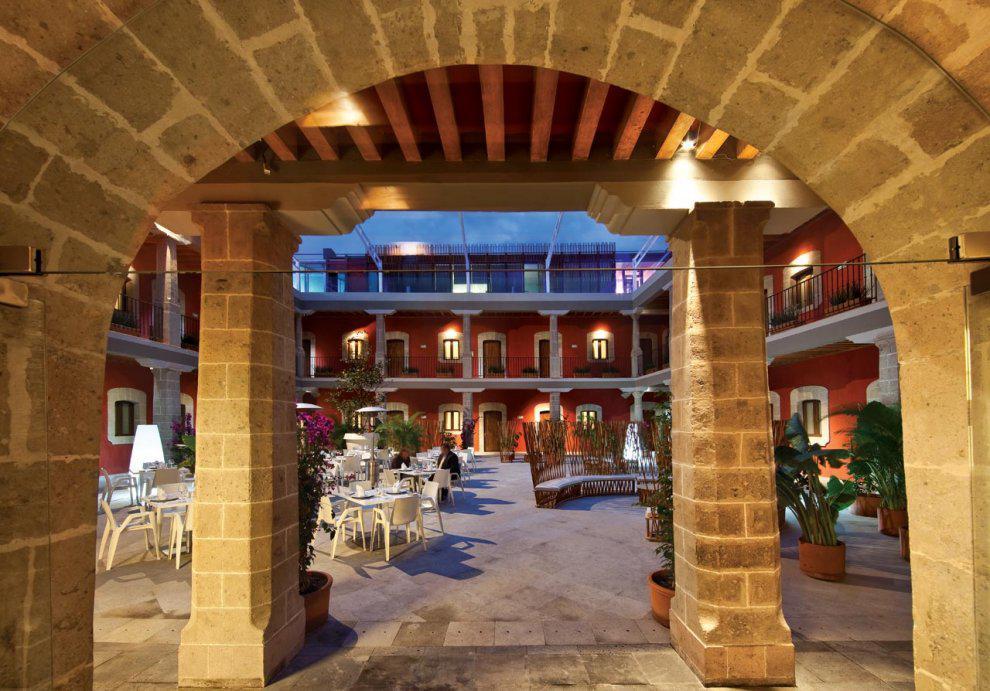 Vista del patio Boutique Hotel de Cortes