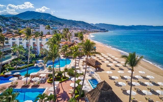 Buenaventura Grand Hotel and Great Moments, buena ubicación