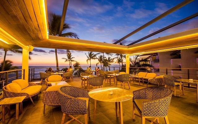 Buenaventura Grand Hotel and Great Moments, disfruta de tu bebida preferida.
