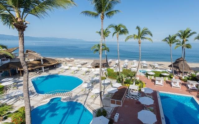 Buenaventura Grand Hotel and Great Moments, refrescate en su albercas al aire libre