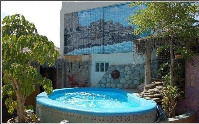 Cabo Inn Hotel, disfruta de su alberca