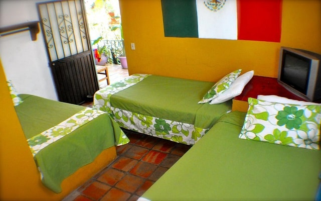 Cabo Inn Hotel, descansa en el confort de tu habitación