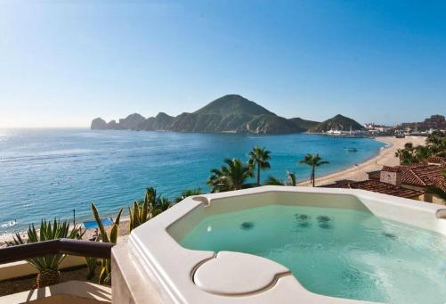 Jacuzzi del hotel Cabo Villas Beach Resort and Spa