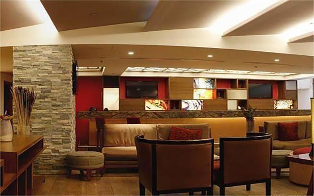 Camino Real Aeropuerto, Lobby Bar