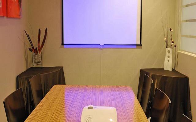 Puedes organizar reuniones de negocios en el hotel