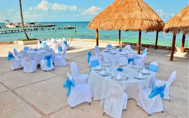 ¡Paquete a Cancún! Hotel Cancun Bay + Barco Pirata Show