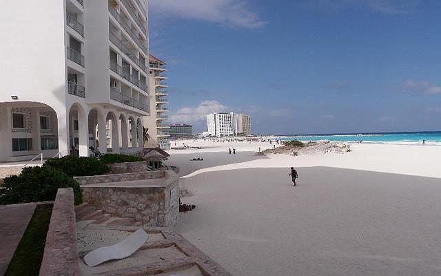 La playa del hotel, una de las más bonitas de la zona hotelera