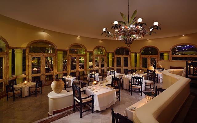 Casa Velas Resort Premium All Inclusive for Adults Only, Restaurante Emiliano
