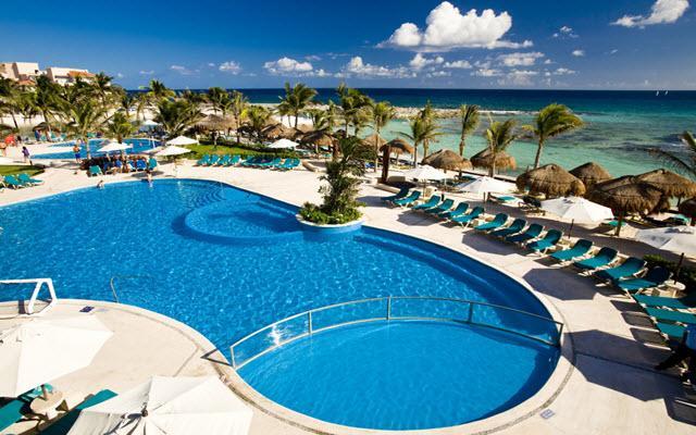 Hotel Catalonia Riviera Maya, disfruta de su alberca al aire libre