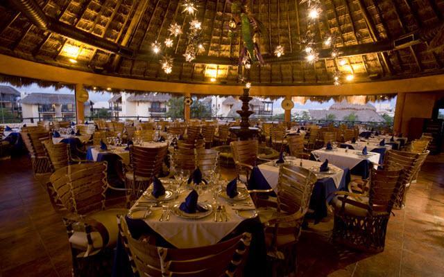 Hotel Catalonia Riviera Maya, amplia oferta gastronómica