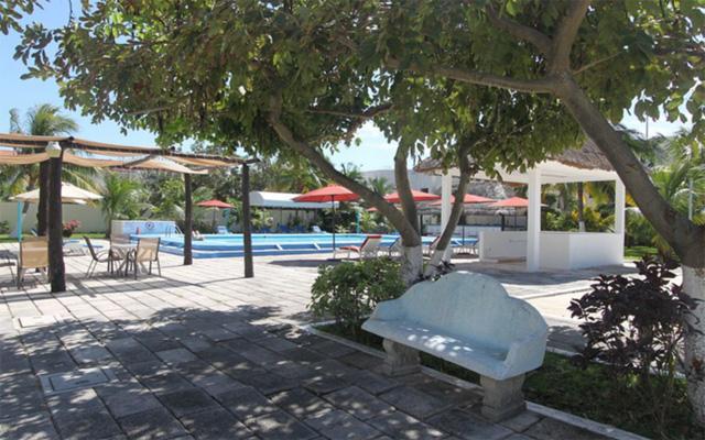 Calypso Hotel, disfruta de la tranquilidad en sus amplios jardines