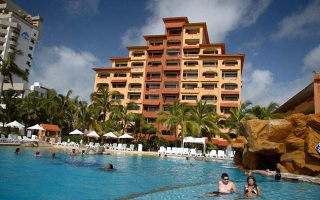 Costa de Oro Beach Hotel, disfruta de su alberca al aire libre