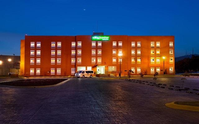 Hotel City Express Junior Guadalajara Periférico Sur, linda vista nocturna