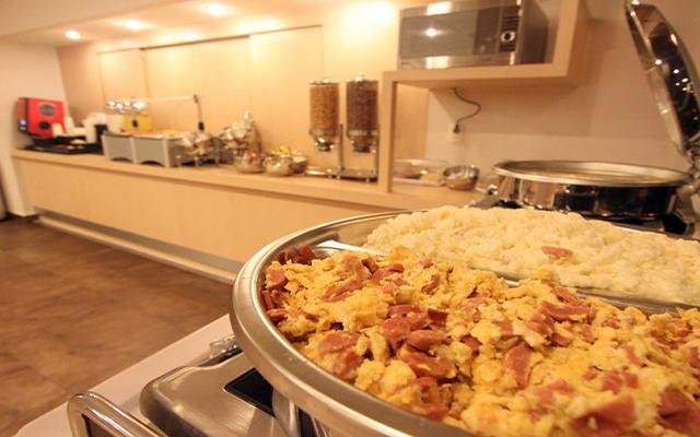 City Express Saltillo Sur, ofrece desayuno continental en cortesía
