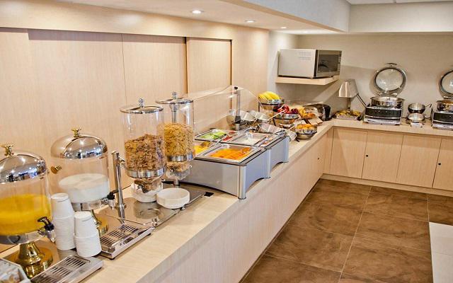 City Express Suites Anzures, desayuno cortesía del hotel