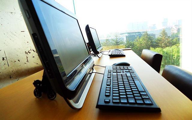 Hotel Comfort Inn Ciudad de México Santa Fe, ofrece sala de computadoras para huéspedes