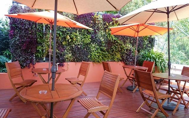 Hotel Comfort Inn Ciudad de México Santa Fe, disfruta de un libro o de la maravillosa vista a la ciudad en la terraza