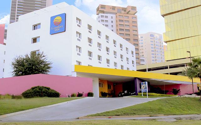 Hotel Comfort Inn Monterrey en Valle