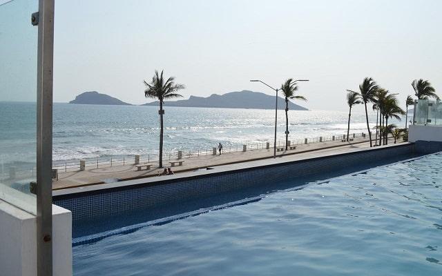 Coral Island Beach View Hotel, aprovecha al máximo tu descanso