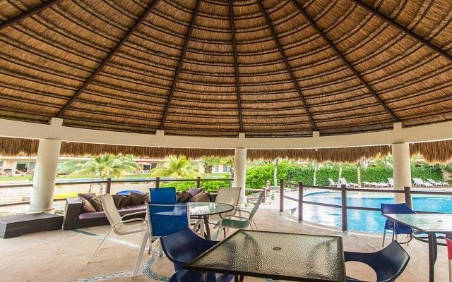Coral Maya Turquesa Condo Hotel, buen servicio