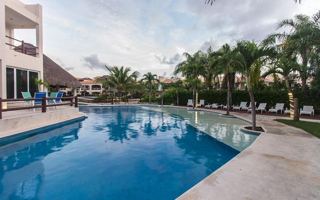 Coral Maya Turquesa Condo Hotel, ubicado a pasos de la playa