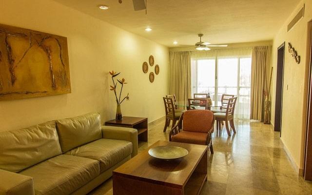Coral Maya Turquesa Condo Hotel, relájate en la sala
