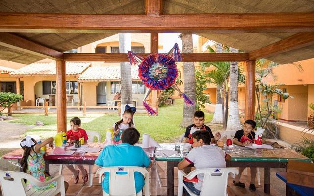 Costa de Oro Beach Hotel, espacios para que los pequeños se diviertan