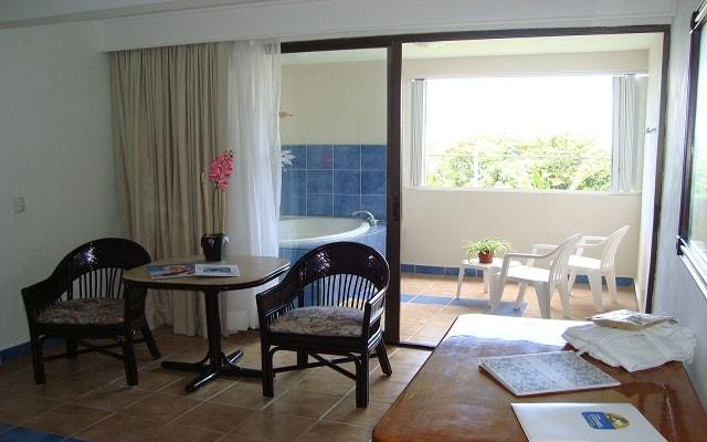 Cozumel Hotel & Resort Trademark Collection by Wyndham, relájate en el jacuzzi