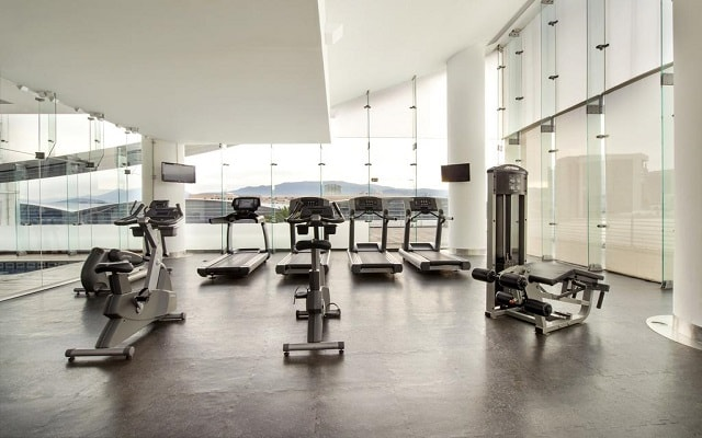 DoubleTree by Hilton Hotel Mexico City Santa Fe, gimnasio bien equipado