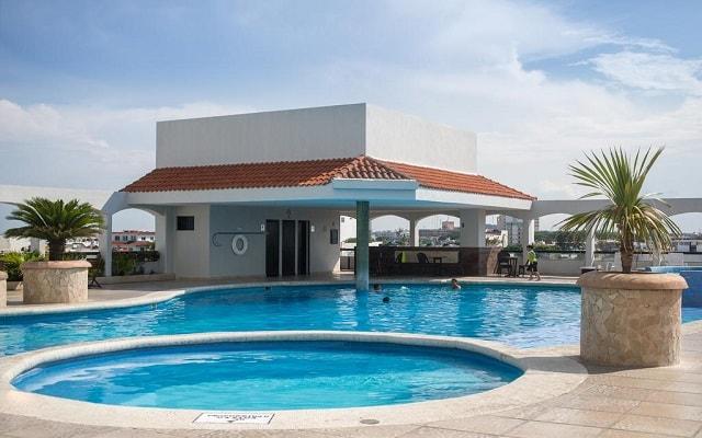 Doubletree by Hilton Hotel Veracruz, relájate en el jacuzzi