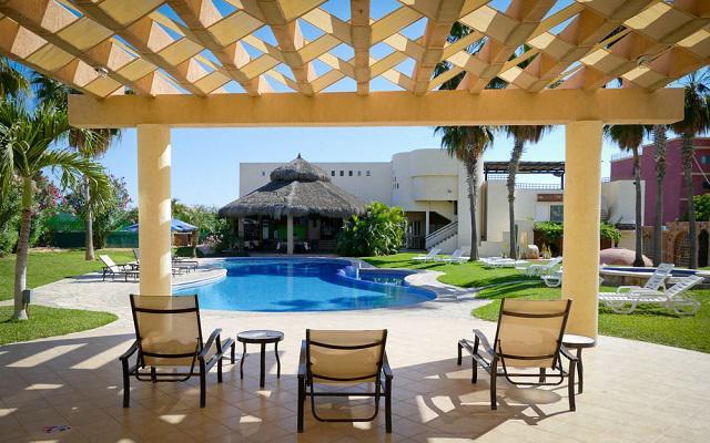 El Ameyal Hotel and Family Suites, disfruta de su alberca al aire libre