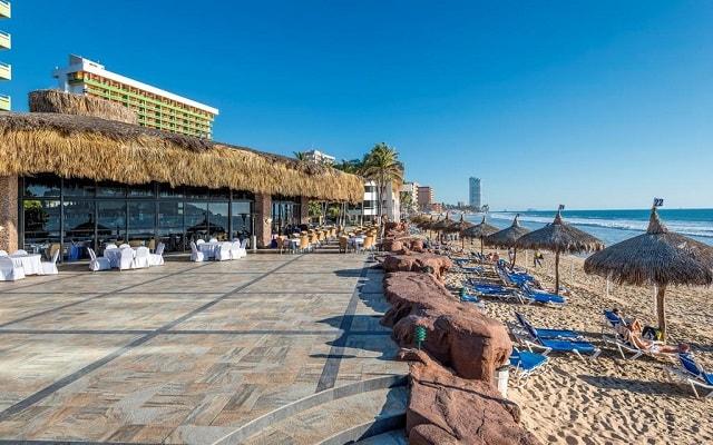 El Cid El Moro Hotel de Playa, disfruta tu día a orillas del mar