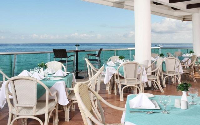 El Cid La Ceiba Beach Hotel, escenario ideal para tus alimentos