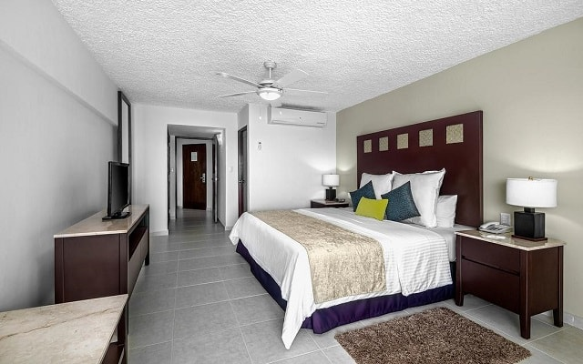 El Cid La Ceiba Beach Hotel, amplias y luminosas habitaciones