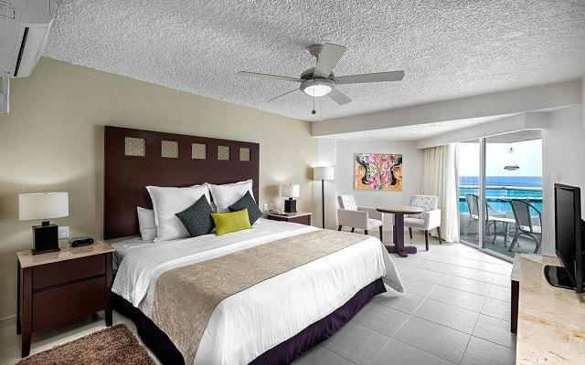 El Cid La Ceiba Beach Hotel, descansa en la comodidad de tu habitación